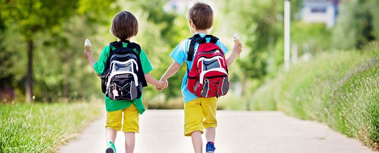 7 ways to avoid kids' backpack pain
